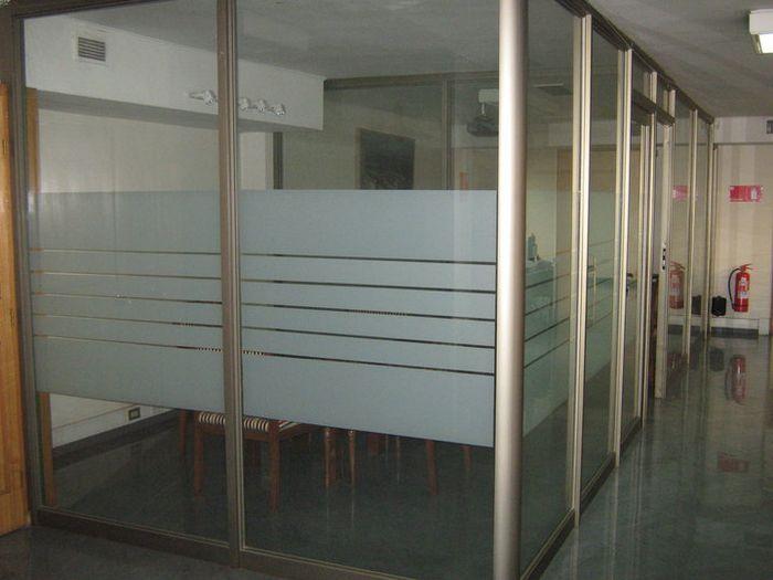 Aluminios abasil tabiquer a de aluminio y vidrio for Separadores de oficina